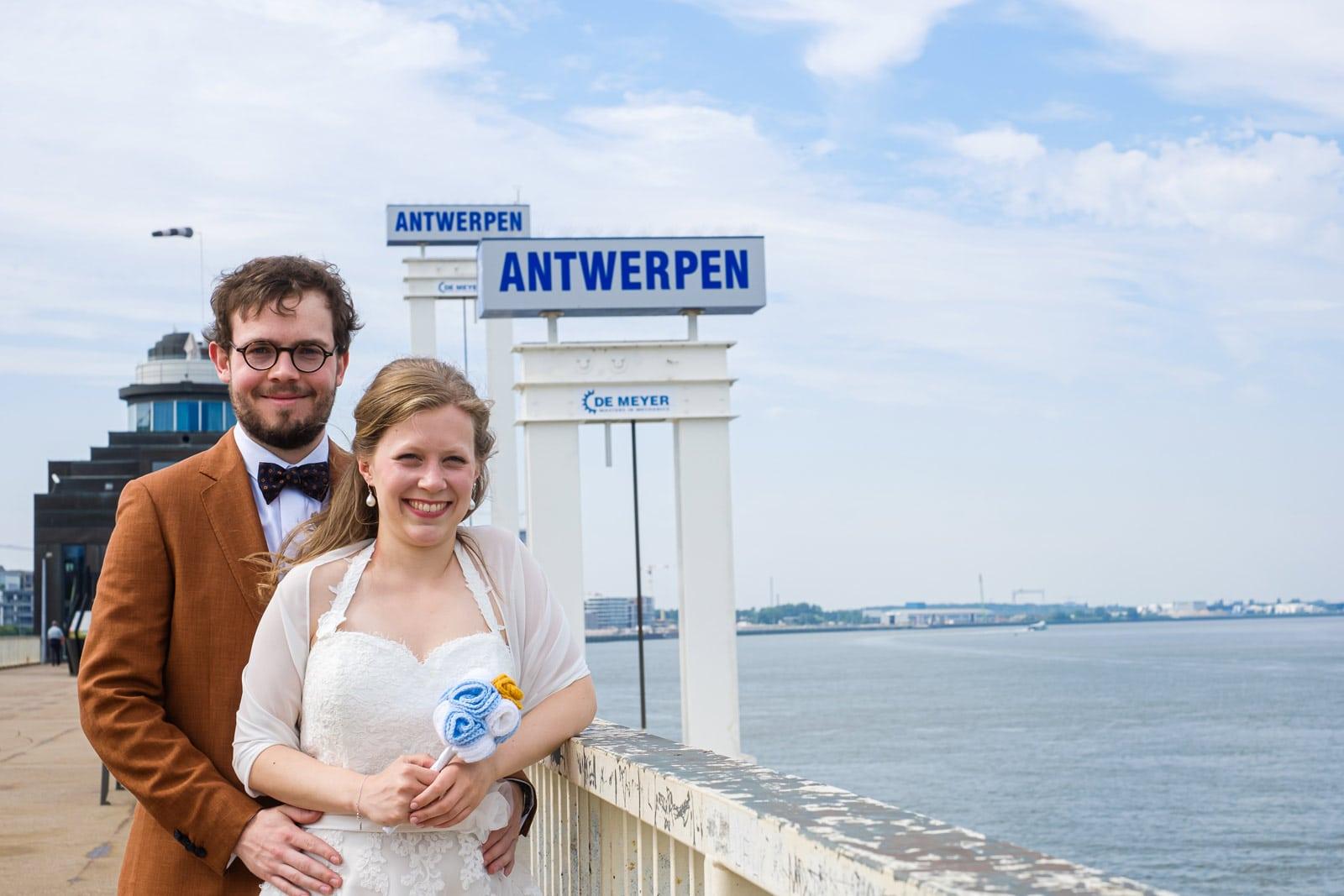 Huwelijksreportage aan de Antwerpse kaaien.